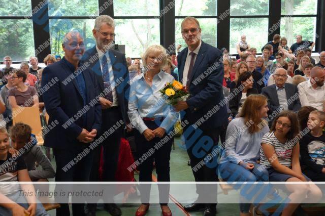 Schulgemeinschaft verabschiedet Frau Behrens