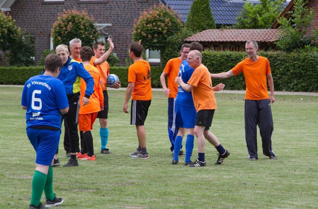 Fußballklassiker im Vincenzhaus: Schüler – Lehrer